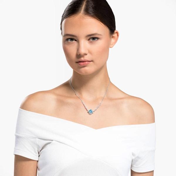 Sparkling Aqua Necklace 4